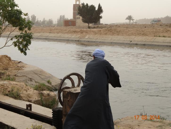 image Egypte_Aiguadier_sur_Grand_Canal.jpg (4.9MB)